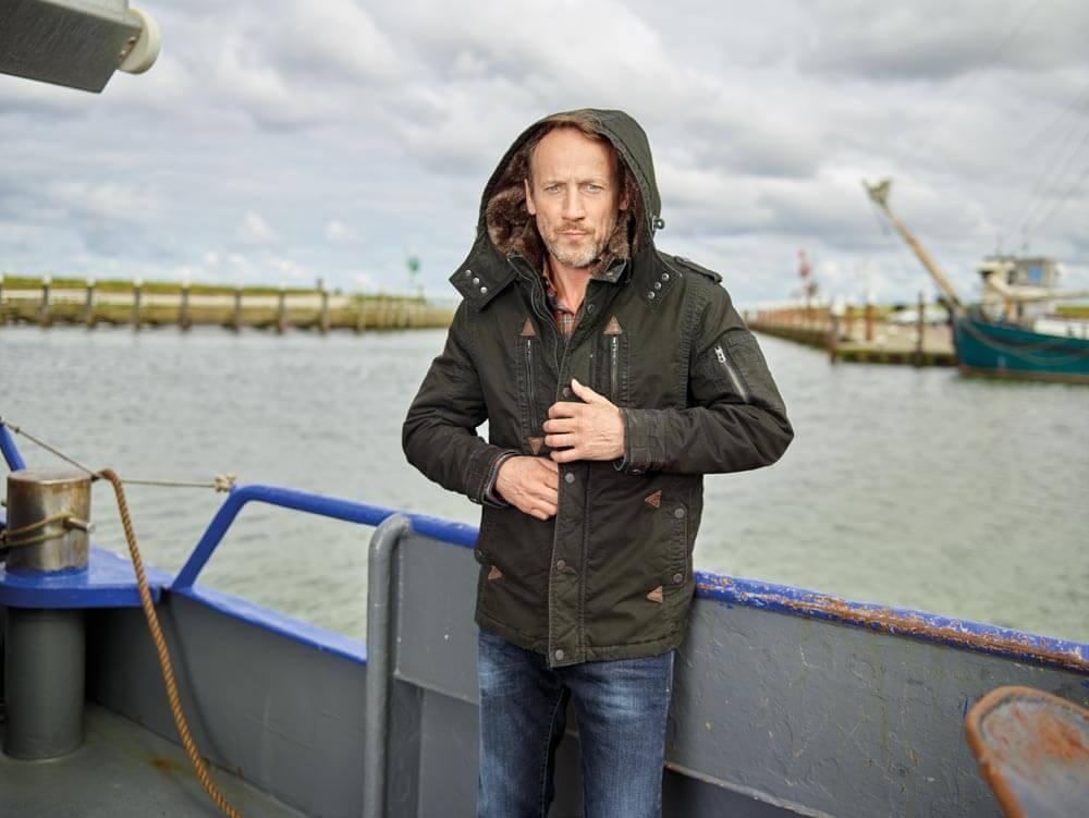 Wotan Wilke Möhring - Winterjacke auf dem Boot