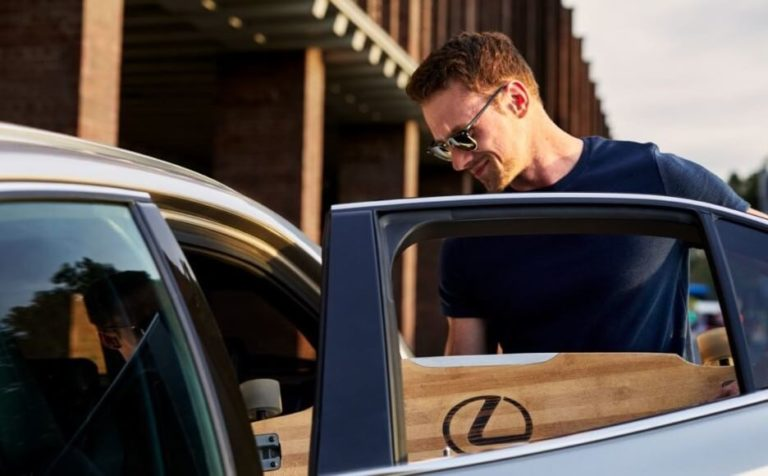 Gewinnspiel Lexus UX Hybrid Auto - Longboard
